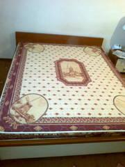 2-х спальная кровать с матрацом,  б/у,  в хорошем состоянии!