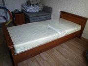 продам кровать с ортопедическим матрацем